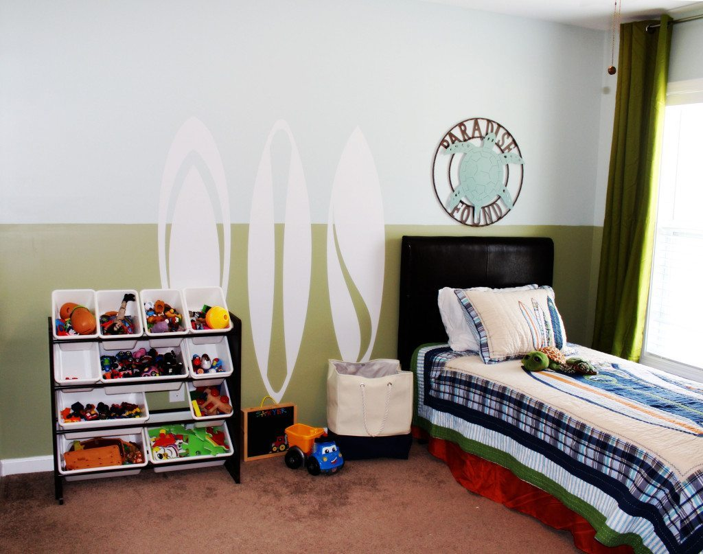 toddler room surf theme a space to call home. Black Bedroom Furniture Sets. Home Design Ideas