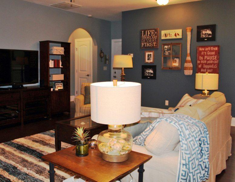 Transitional Living Room Design and Breakfast Nook Design