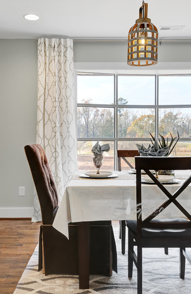 Modern Farmhouse Dining Room - Home Staging to Sell